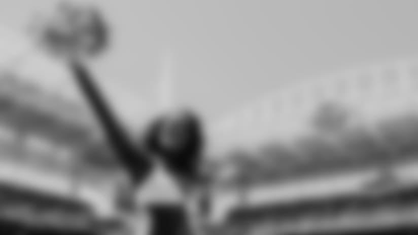DOLPHINS DARKROOM: Cheerleaders Gallery | Week 7