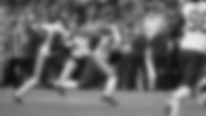 Jordan Lucas Intercepts Packers' QB Deshone Kizer in Scoring Territory