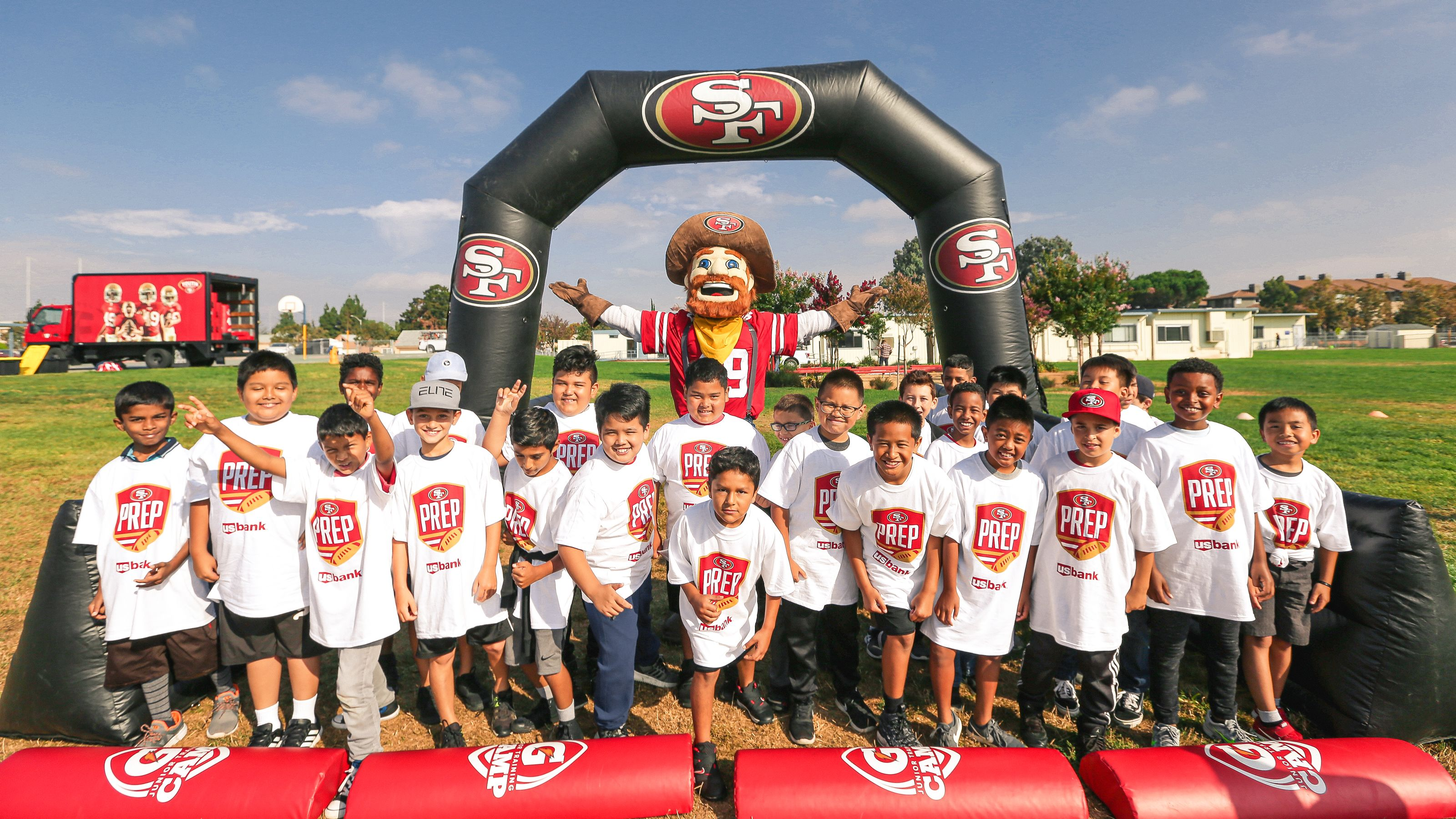 49ers Foundation's GIVING TUESDAY