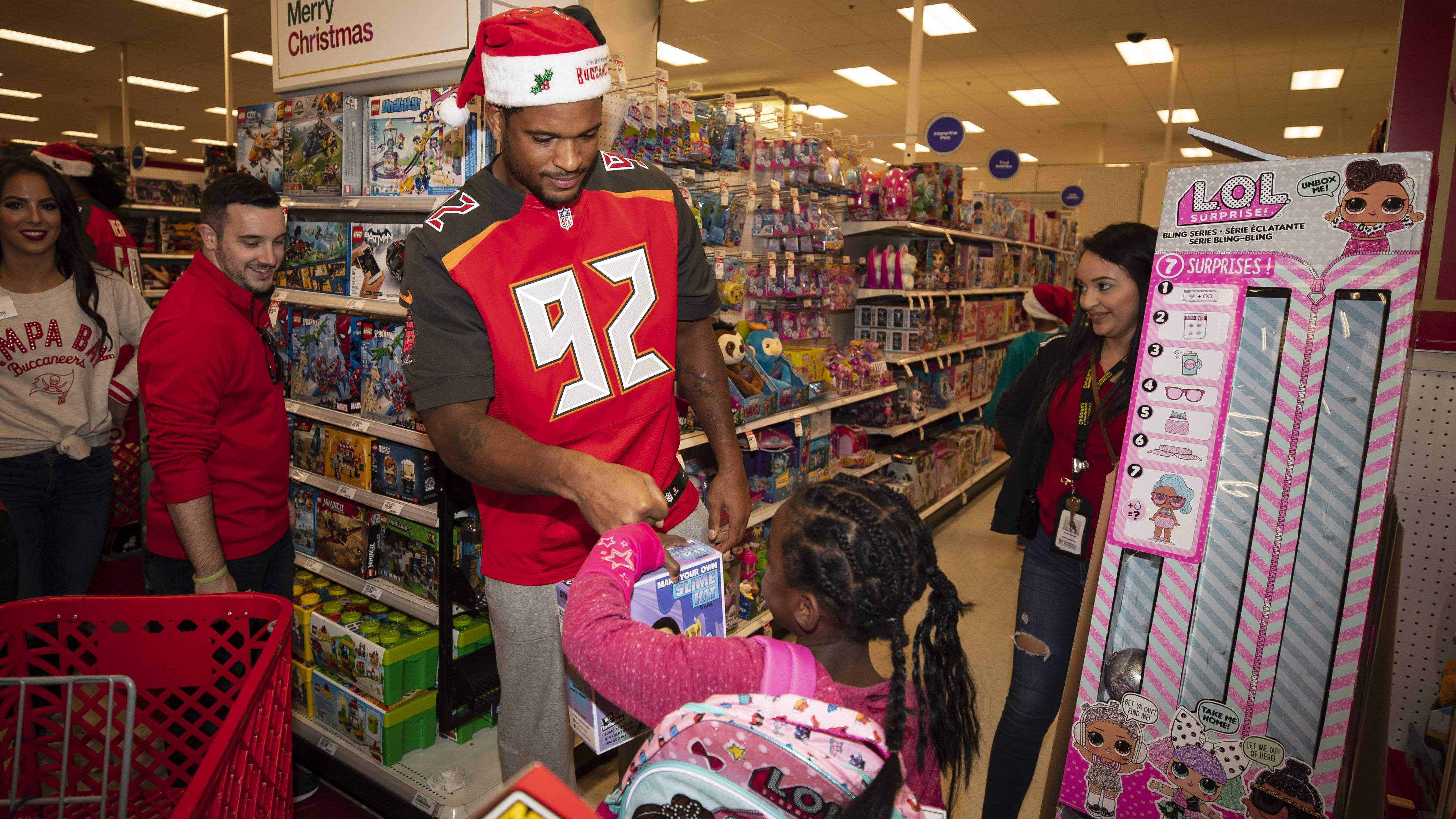 Bucs D-Line Delivers Christmas Surprise for Tampa Bay Area Youth