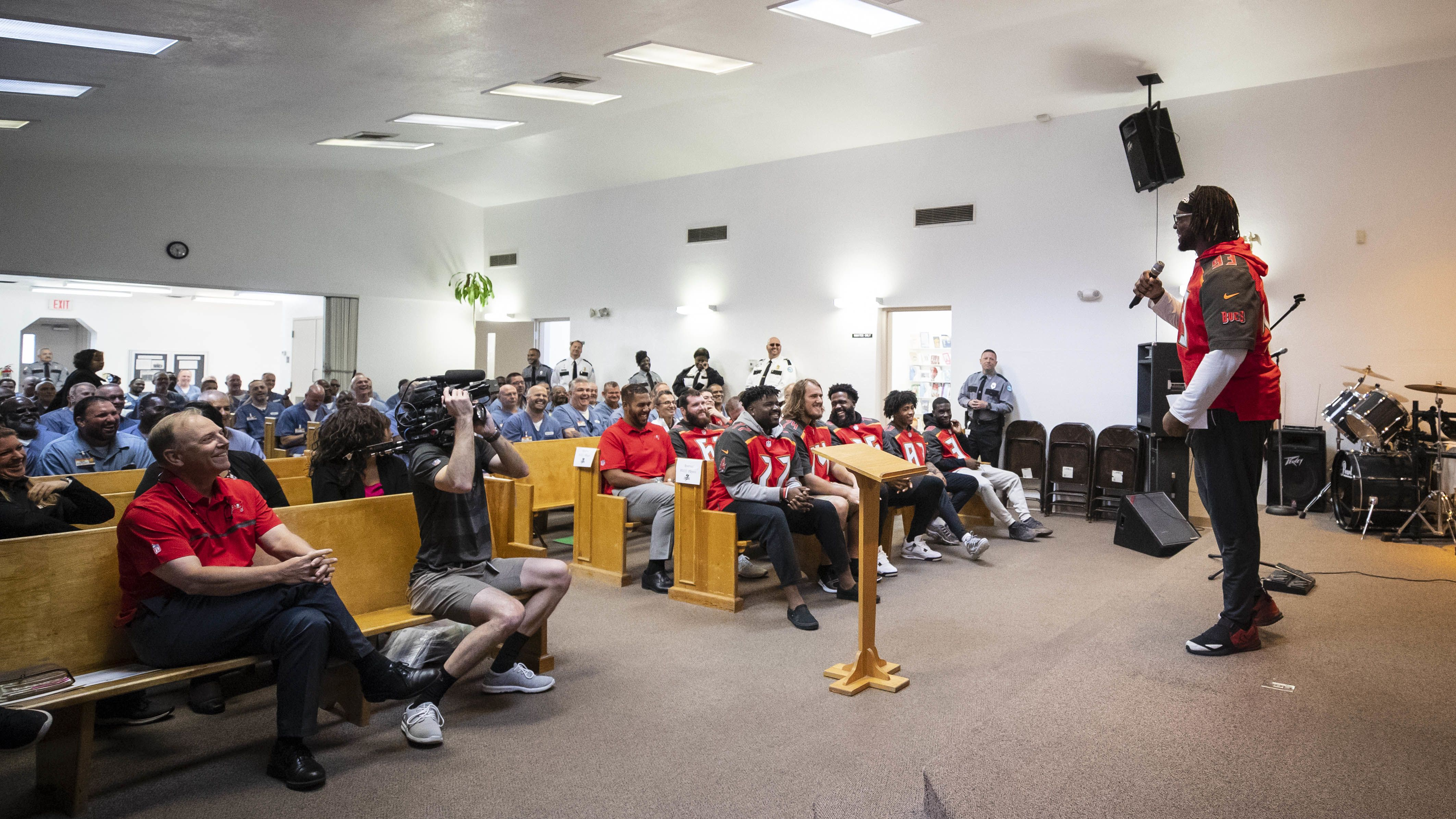 Visit to Zephyrhills Correctional Facility Puts Things in Perspective for Buccaneers Players