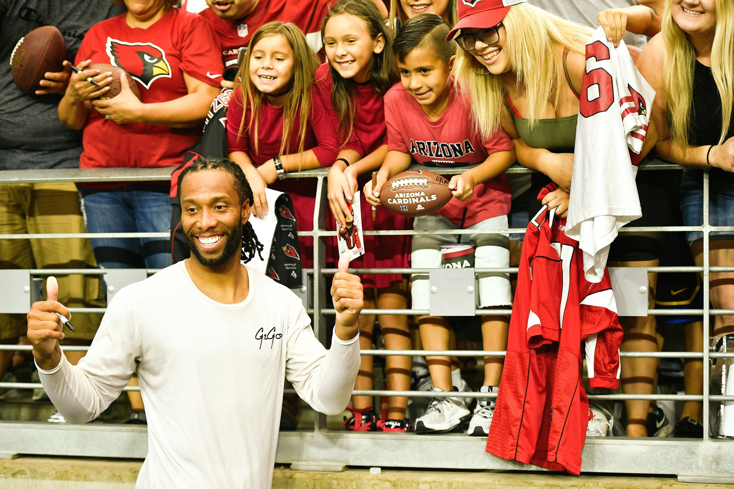 Larry Fitzgerald Signing Fan Autographs at 2019 Cards Training Camp