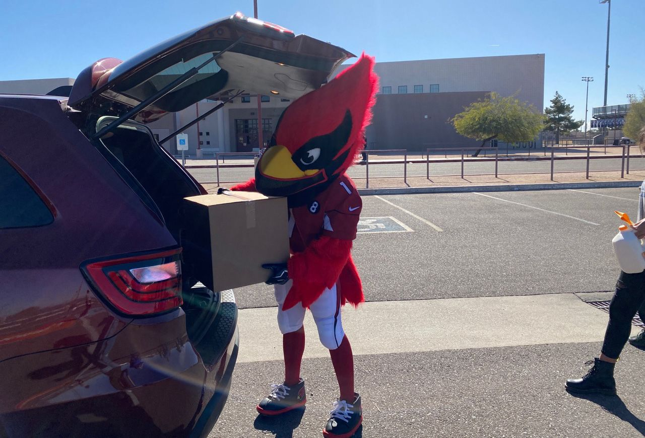 Cardinals Partner With State Farm To Provide 8,000 Holiday Meals