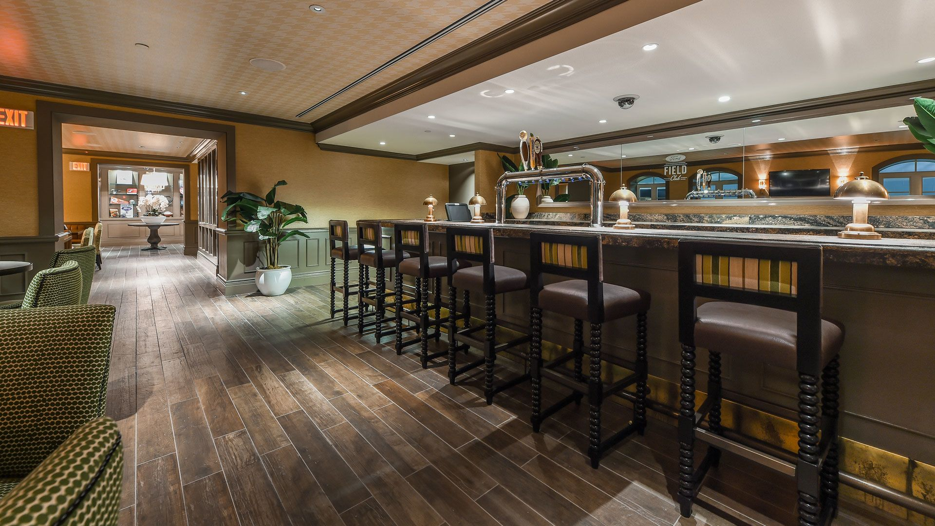 Photo: Seating Experiences - West Field Club