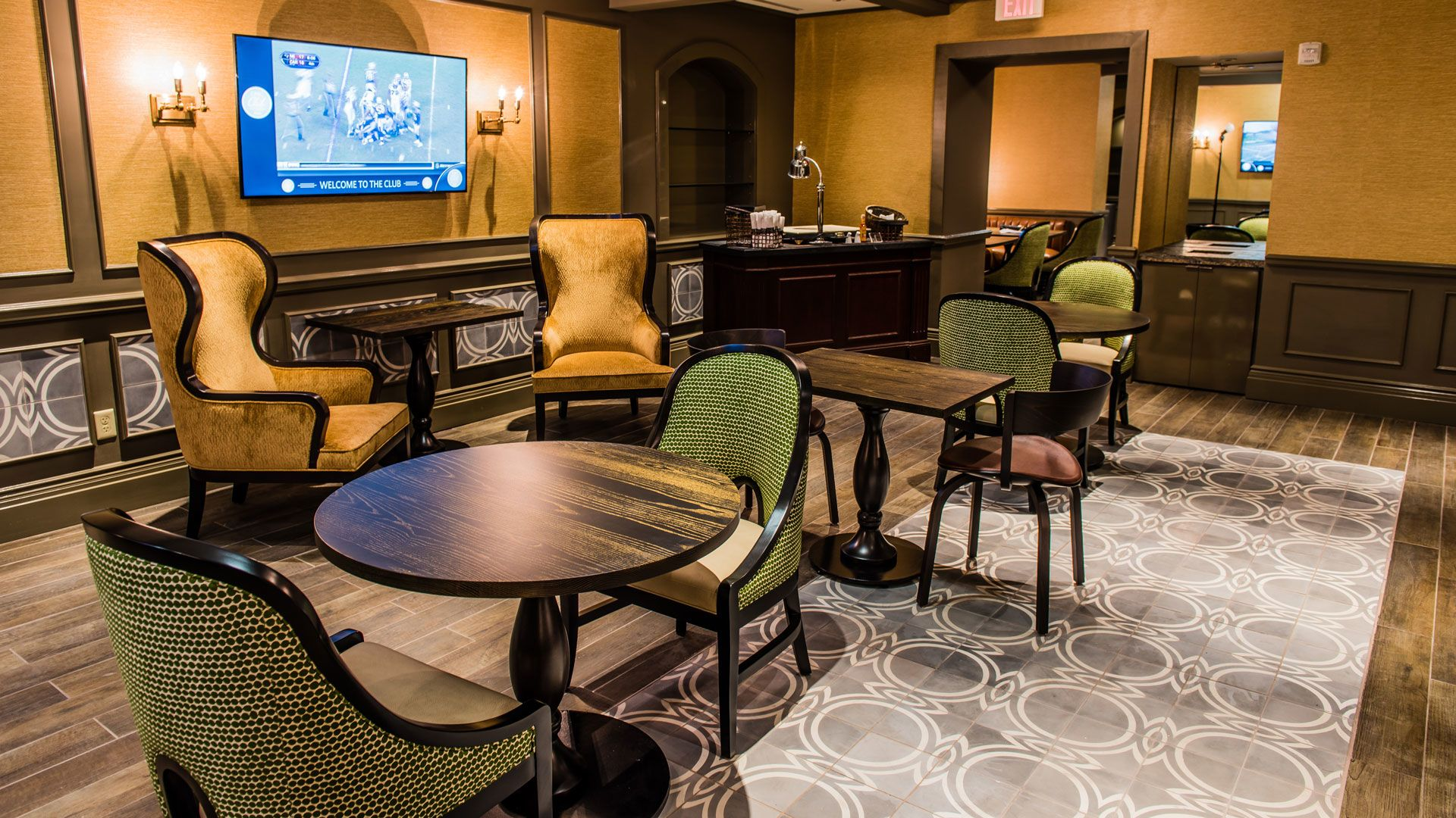 Photo: Seating Experiences - East Field Club