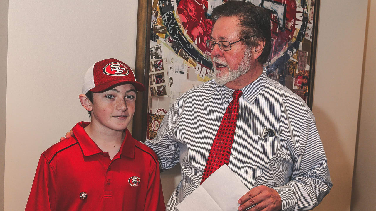49ers co chairman dr john york honors 13 year old joey childs