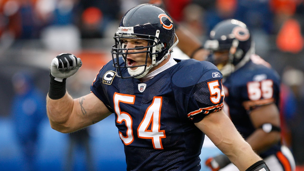 Urlacher headed back to Pro Bowl—as a captain