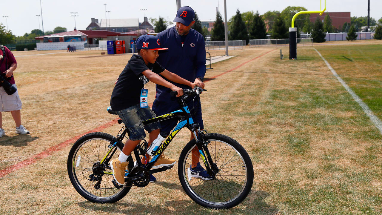 d0b398d3c Bears coaches donate bikes to local kids