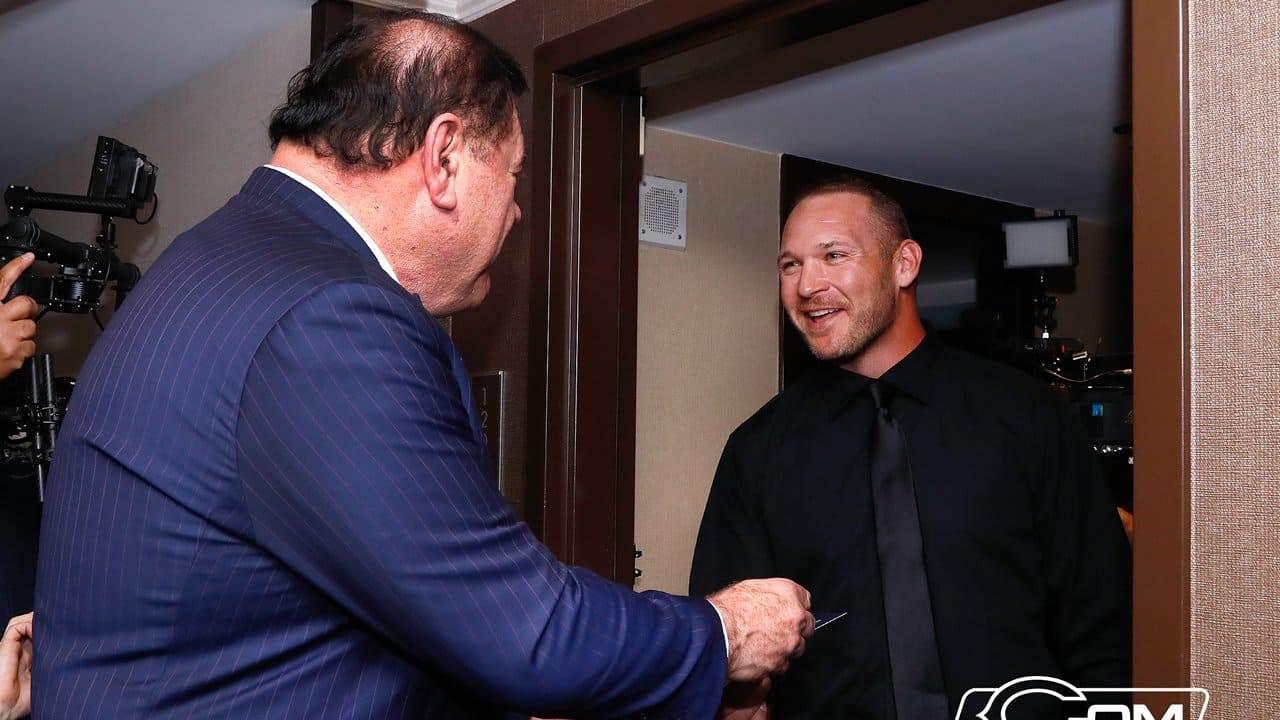 Brian Urlacher finds out he's in the HOF