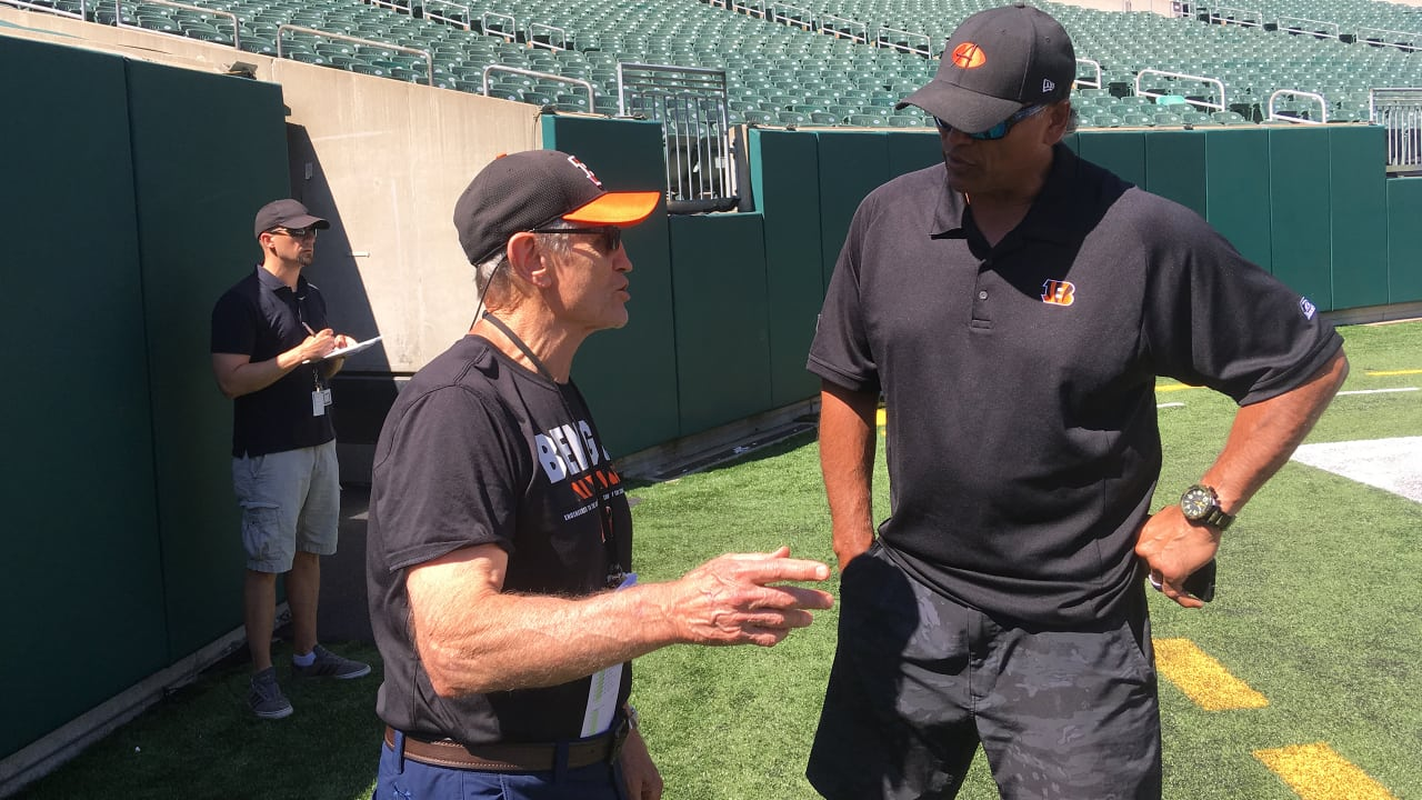 """61df50c0dce """"The Sports Circus"""" Podcast With Former Bengals Coach Jim McNally"""