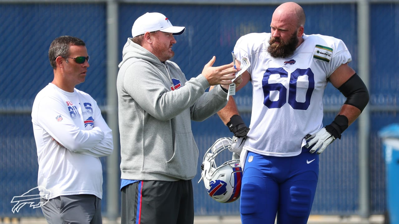 hot sale online 8fb56 e8459 Center Mitch Morse cleared to chart course for Bills ...