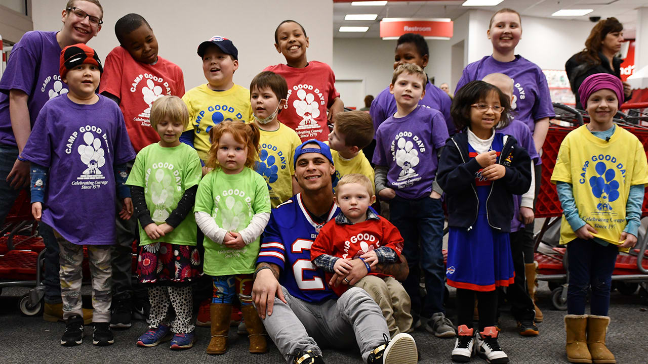 e28ff95f724 How Bills players  good deeds made this holiday season unforgettable for  fans across the city
