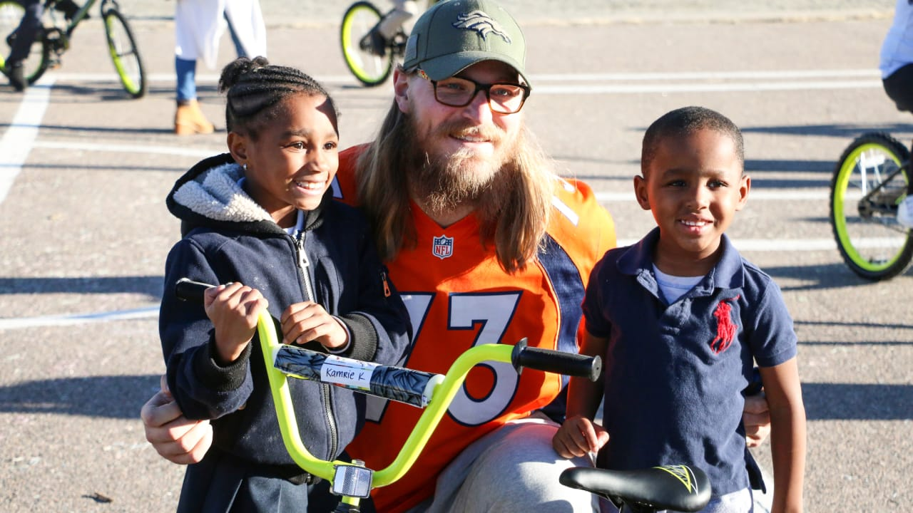 Broncos distribute bikes to Green Valley Elementary School students 141c4beb9