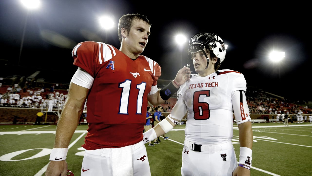 Before They Occupied Browns Qb Room Together Baker Mayfield And Garrett Gilbert Starred At Same Texas High School