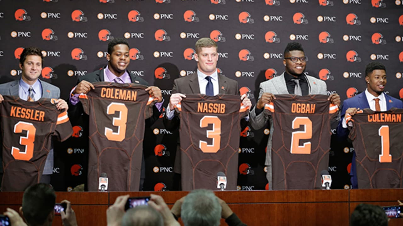 detailed look 20747 9f908 Browns jersey numbers for 2016 draft picks, other new roster ...