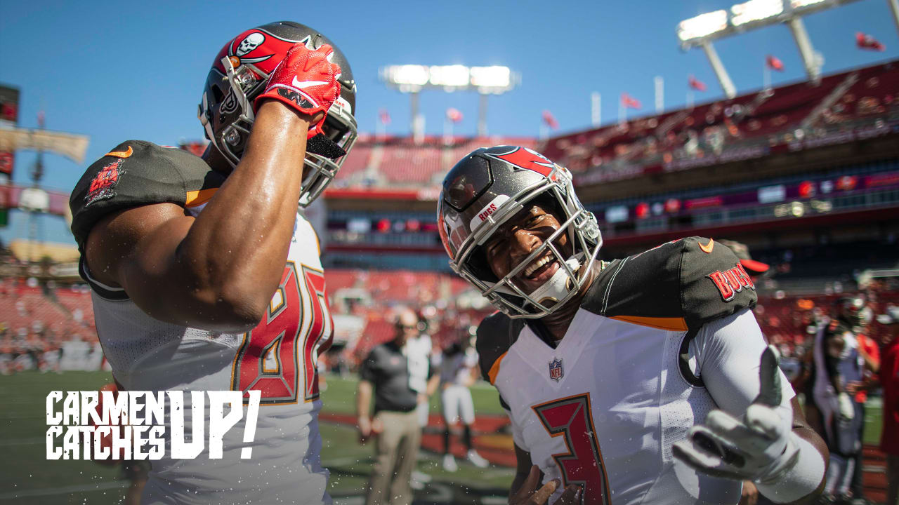 timeless design 51e6c 4e08f The Bucs Rally Emotional Support Around LBs Kwon Alexander ...