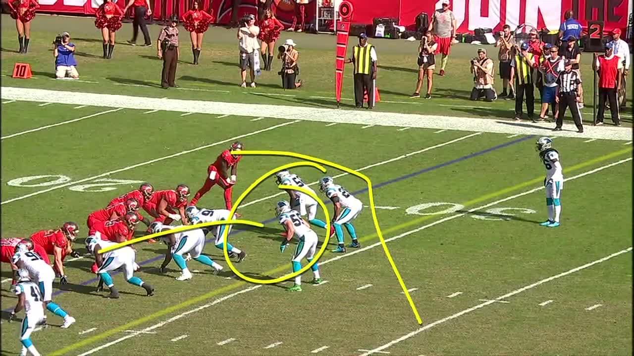 Chris Godwin Shows Burst on 48-Yard Catch-and-Run  b35010289