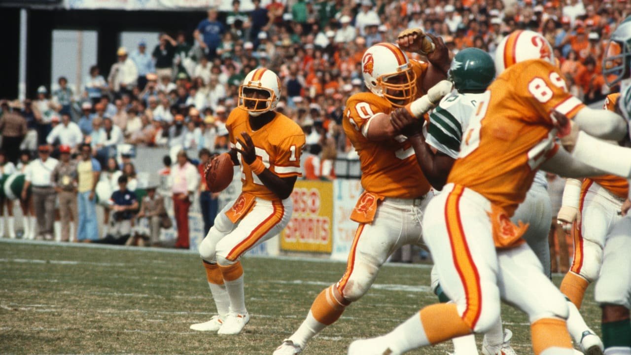 Buccaneers Greatest Moments Young Bucs Shine In First Playoff Game