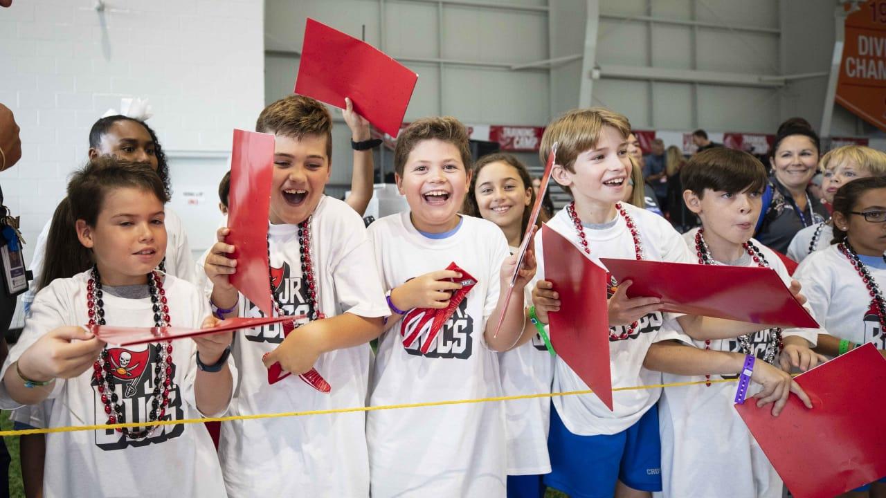 d61ea2c4 Tampa Bay Buccaneers Foundation Jr. Bucs School Program to Reach ...