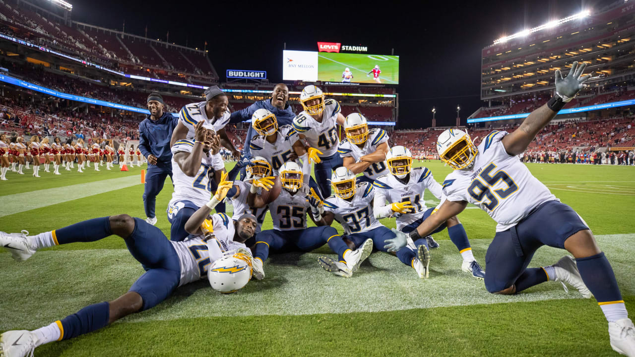 Photos: Bolts Close Out Preseason with a Win