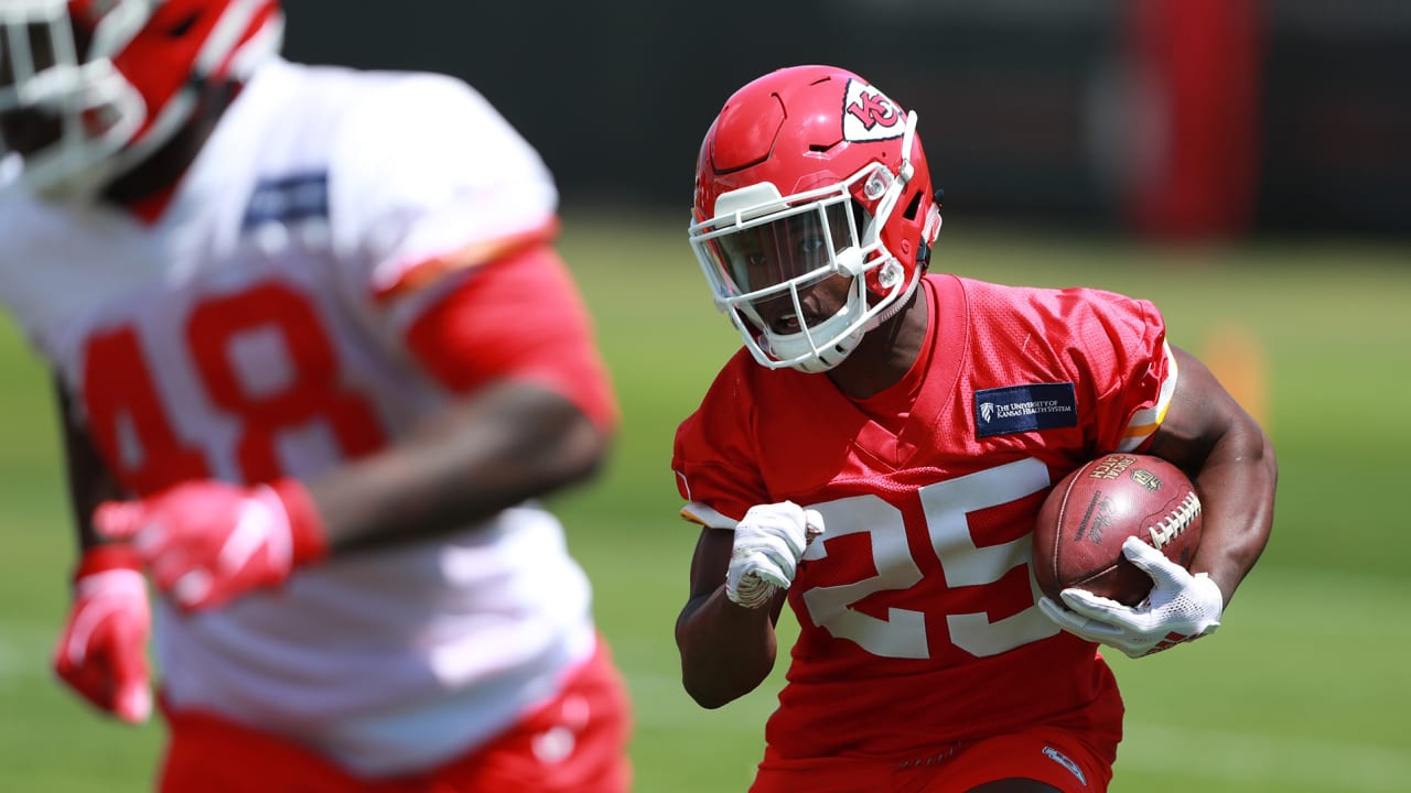 Height Can't Measure Heart: Chiefs' Rookie Tailback Darwin Thompson