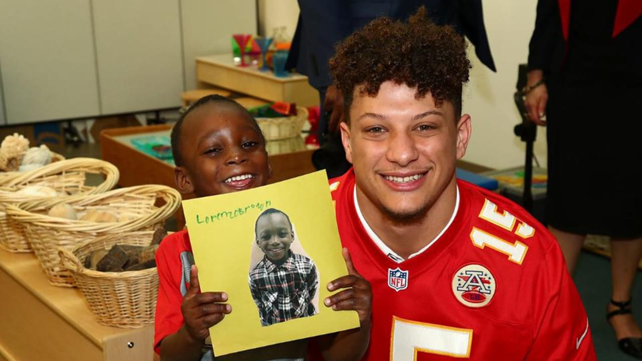 c02a20c7b01 Patrick Mahomes Visits a Handful of Kids and Insists Their Dreams are  Within Reach