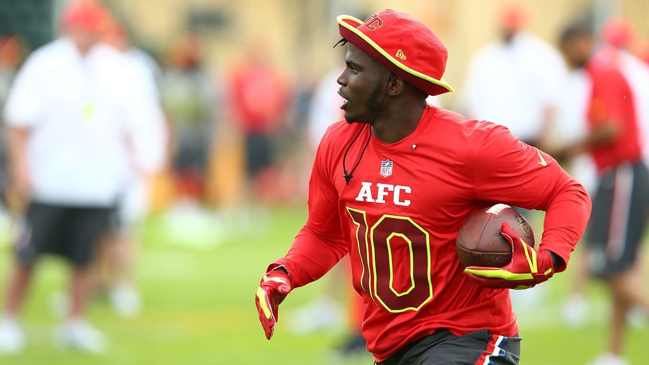 the best attitude b43b5 f9d06 Tyreek Hill Honored to Make Pro Bowl as a Rookie