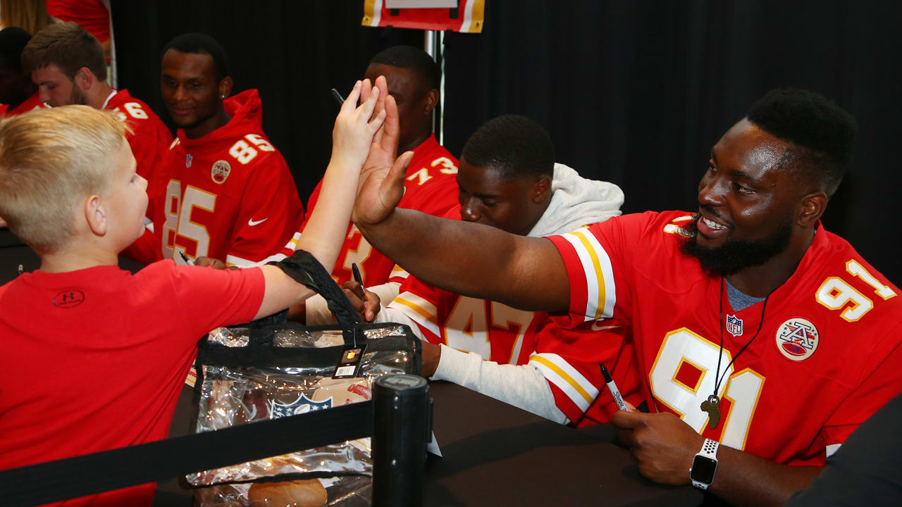 fcf97a734 Chiefs  Rookies Welcome Over 300 New Season Ticket Members to Arrowhead