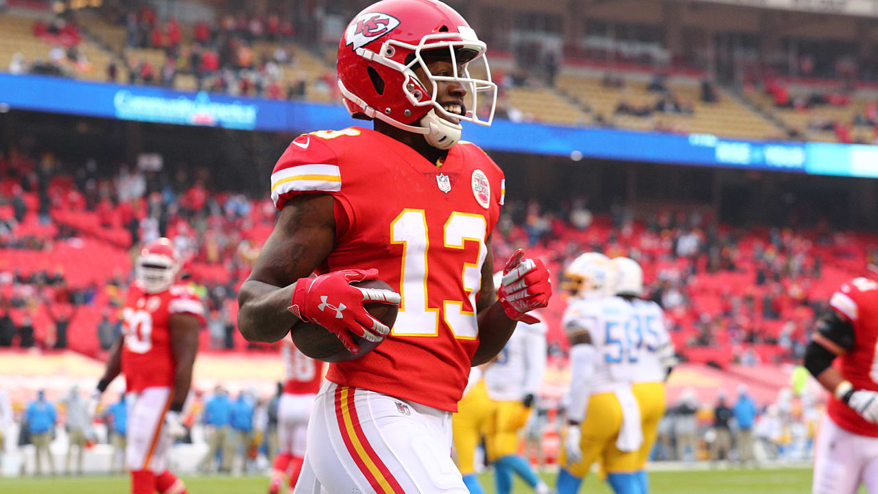 Photos: Game Action from Week 17 | Chiefs vs. Chargers