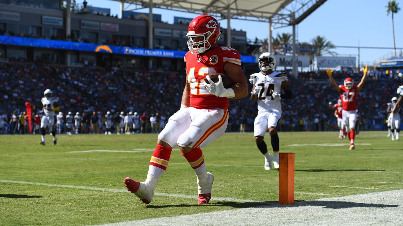 4d1f2c6a9 Patrick Mahomes Hits Anthony Sherman for 36-yard Touchdown