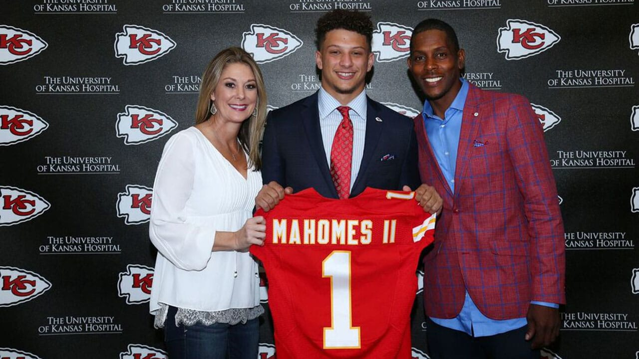 Chiefs Qb Patrick Mahomes Ii S Father Proud Of His Son S