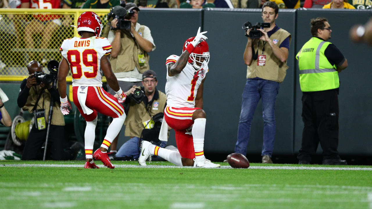 low priced e75d2 8796f Chiefs Rookie Jody Fortson Utilizes His Size for a 2-yard ...