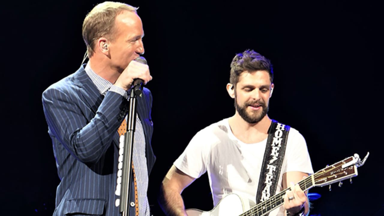 Video Peyton Manning Sings Country Duet With Thomas Rhett
