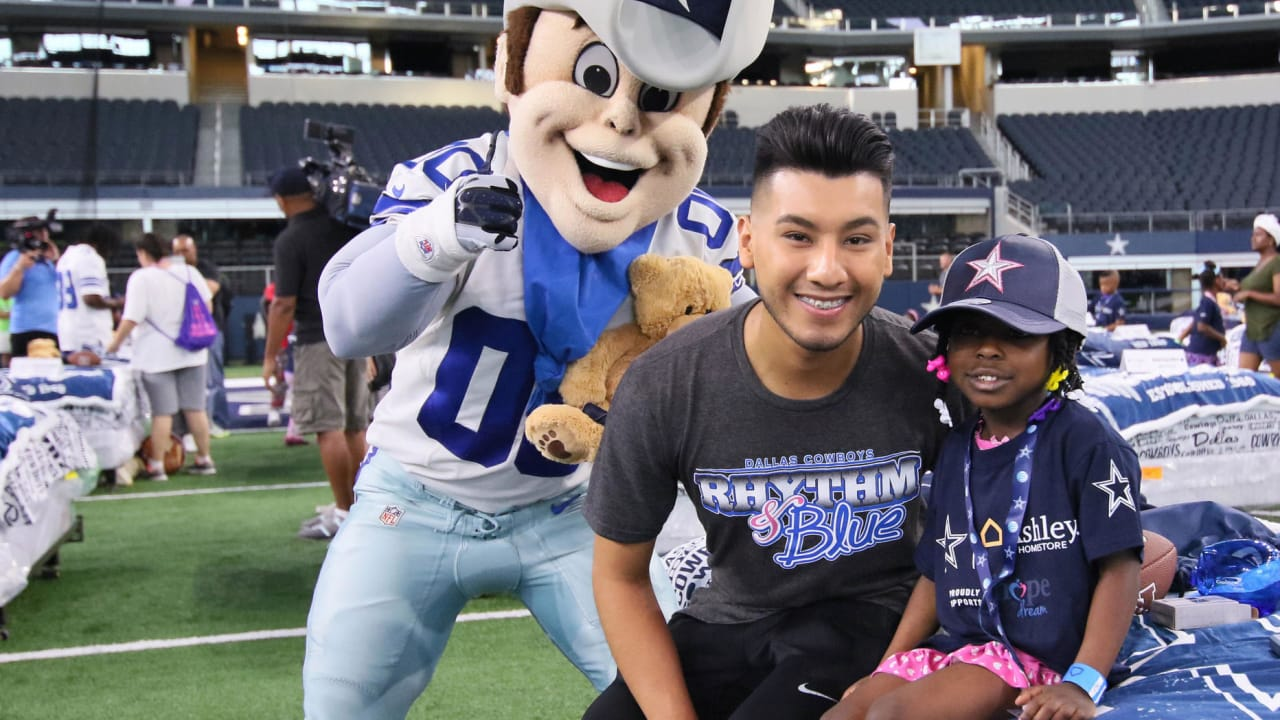 67c1564bce0 Cowboys & Ashley HomeStore Host 'Hope to Dream' Sleepover at AT&T Stadium