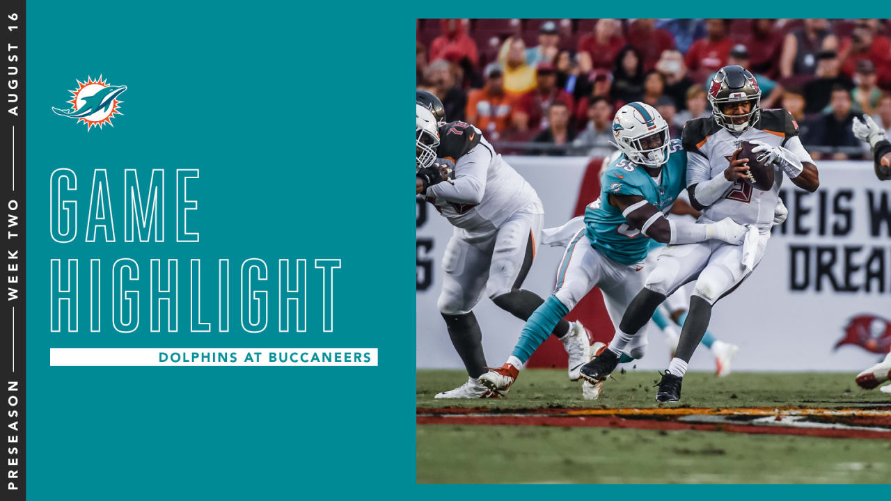 d2061488 Dolphins Drop Second Preseason Game To Buccaneers In Tampa Bay