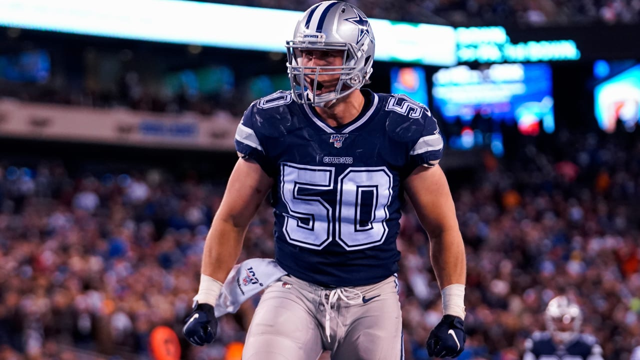 Sean Lee, con su jersey alternativo