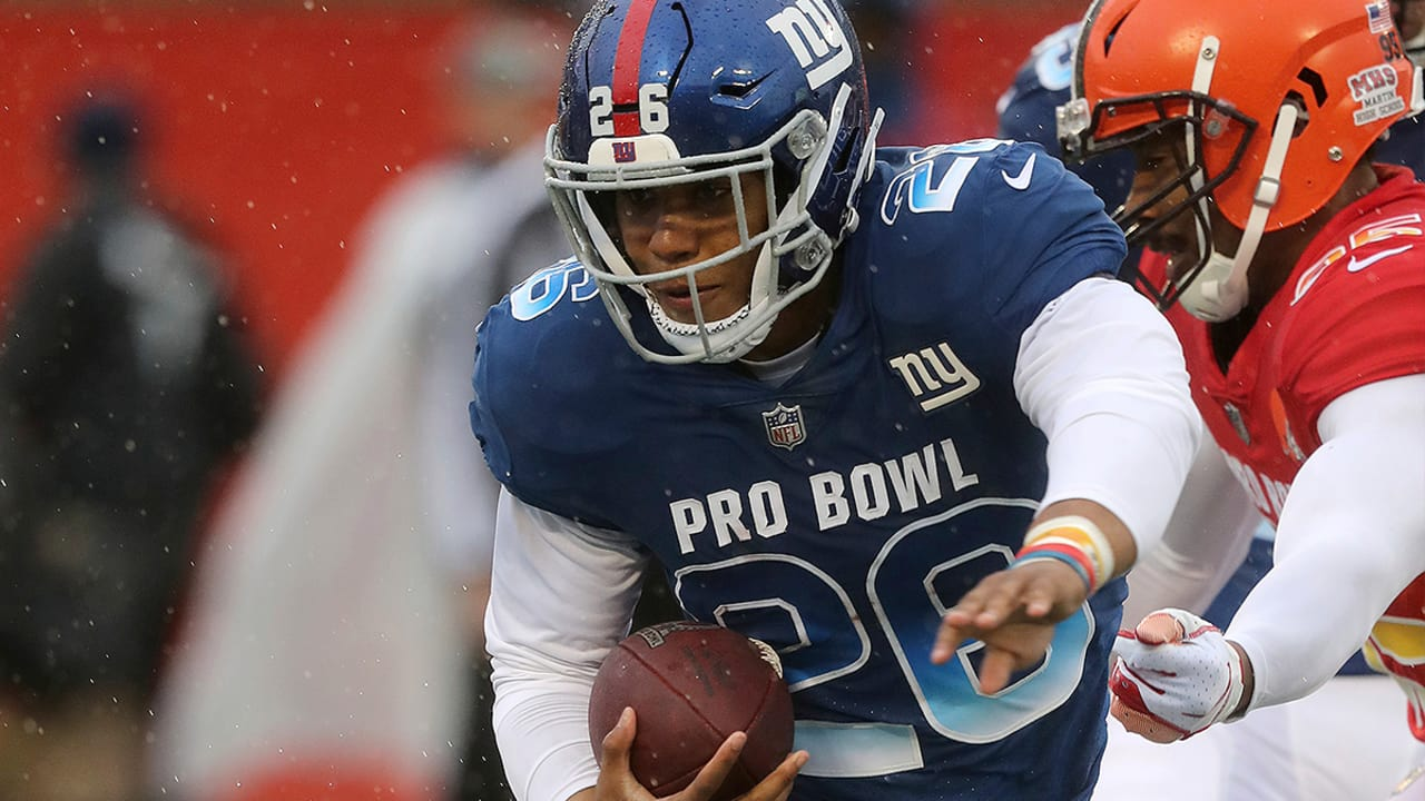 best loved 0633e ef8df Saquon Barkley in the middle of wild defensive play in Pro Bowl