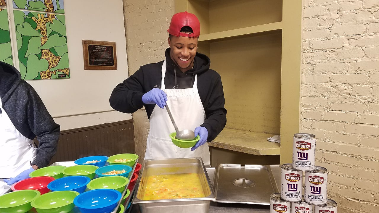 Saquon Setting 2019 Goals And Helps Feed Homeless In Atlanta