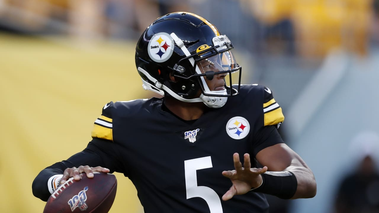 big sale f526e cac18 Official: Jaguars trade for QB Dobbs