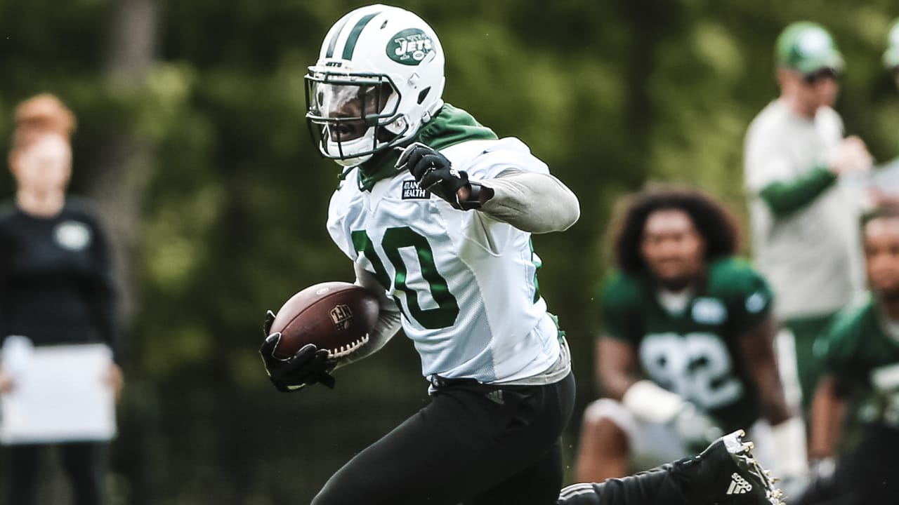 on sale 70cb2 d06b3 Bottom Line, Isaiah Crowell Wants to Win