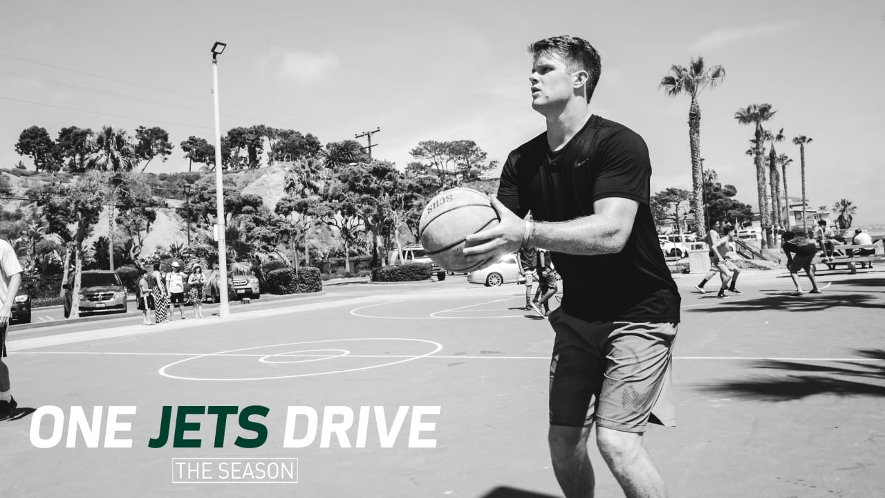 One Jets Drive Sam Darnold Cold Blooded On The Court Field