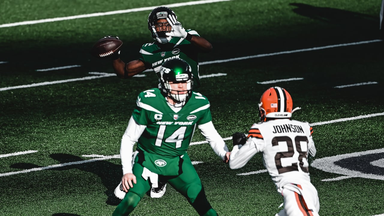 Jamison Crowder Does It All as WR Helps Lift Jets Past Browns at ...