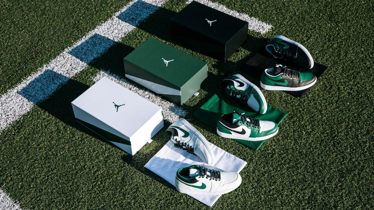 photos officielles 33e97 0cc4f Jets, Jordan Brand Unveil Custom Shoes Inspired by New Uniforms
