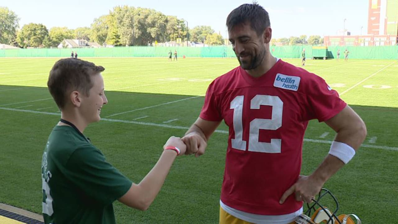 52a893cb Make-A-Wish recipient spends a day with Packers' Aaron Rodgers ...