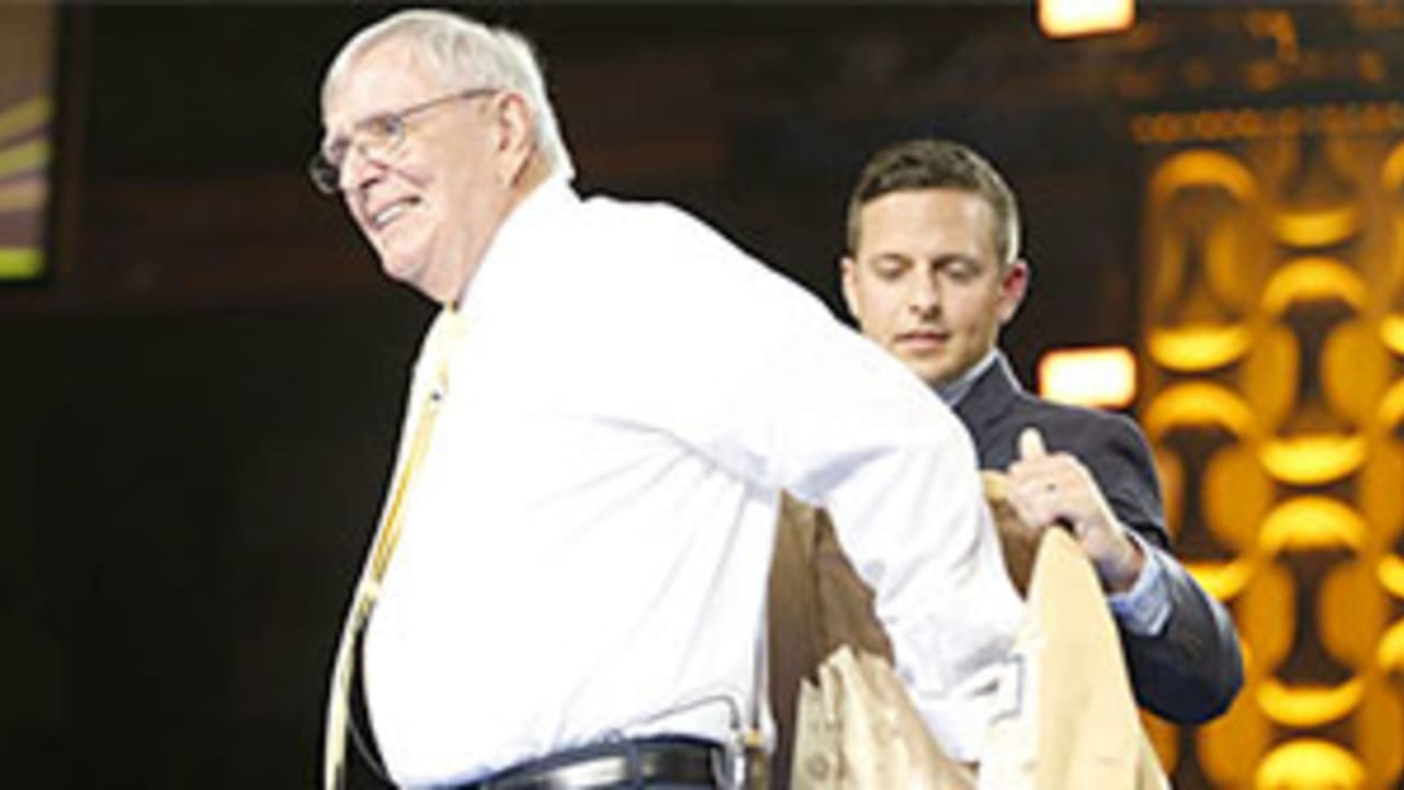 best website 3c867 e9ad7 Ron Wolf gets 'Gold Jacket' in opening ceremony