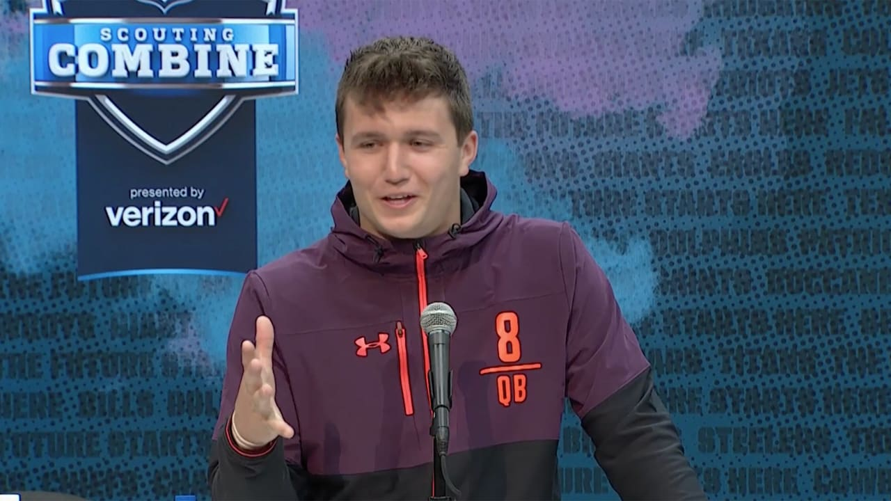 2e138f2451 Missouri QB Drew Lock says he models his game after Aaron Rodgers