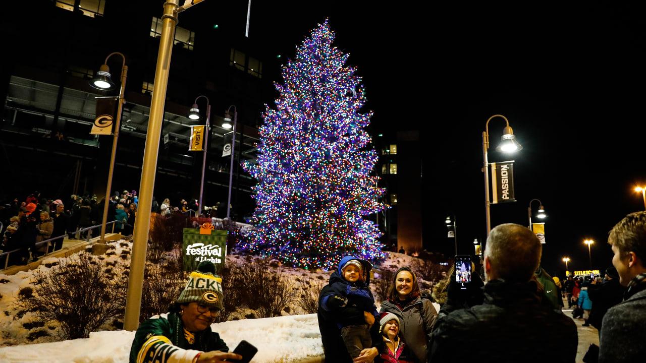 Lambeau Field Christmas Festival 2020 Festival of Lights makes Lambeau Field shine