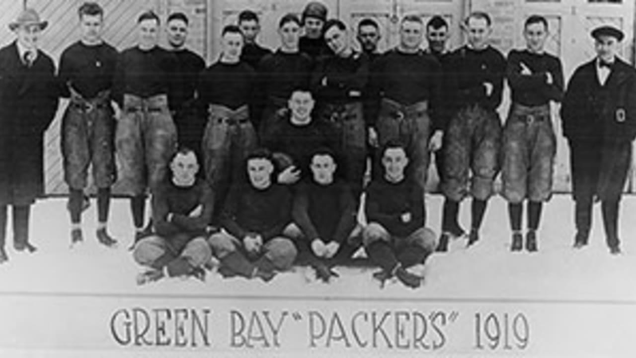 Selling Snake Oil Football In Green Bay In 1919