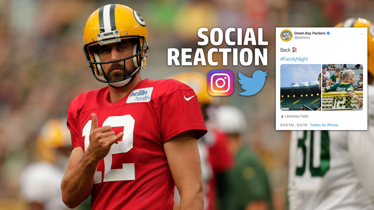 a7084200 Social Reaction: Fans turn out for Family Night at Lambeau Field