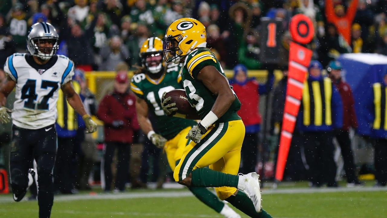 Hat Trick Td Packers Rb Aaron Jones Bursts Through For Score
